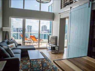 **Winter Promo** Luxury Waterfront Penthouse Loft in Upscale Brickell Complex Near South Beach - Miami vacation rentals