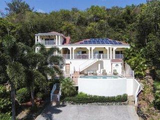 Nice 3 bedroom Cruz Bay Villa with Internet Access - Cruz Bay vacation rentals