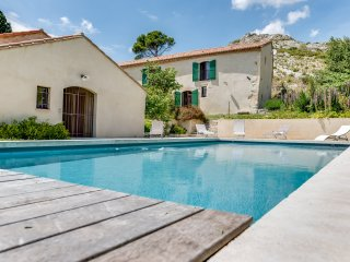 Restored farm in unspoiled nature - Maussane-les-Alpilles vacation rentals