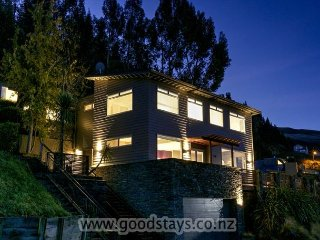 Outstanding spacious home + apartment: views, decking, spa! - Queenstown vacation rentals