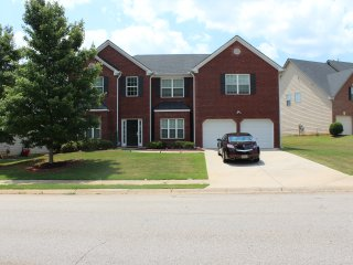 Mi-Casa (7) Beautiful 4 Bedroom 4 Ba House - McDonough vacation rentals
