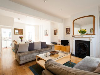 Shepherds Bush Cottage - London vacation rentals
