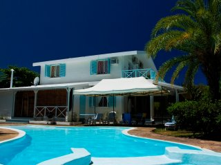 Villa with private pool and dinner included - Poste Lafayette vacation rentals