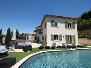 Beautiful Villa with Internet Access and Television - Le Cannet vacation rentals