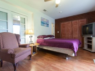 1 bedroom Bed and Breakfast with Internet Access in Coconut Grove - Coconut Grove vacation rentals