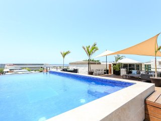 Amazing 3 bdr Penthouse w/sea view & rooftop pool - Playa del Carmen vacation rentals