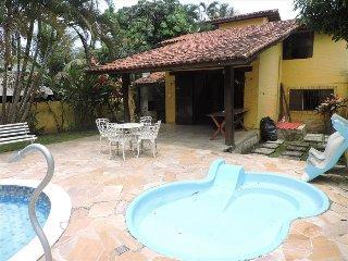Yellow House  Palmeiras Beach Caraguatatuba - Caraguatatuba vacation rentals