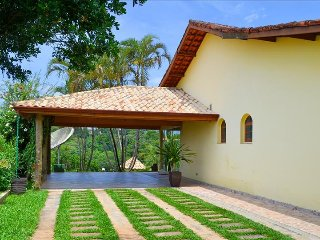 Beautiful 4 bedroom Villa in Mairinque with Internet Access - Mairinque vacation rentals