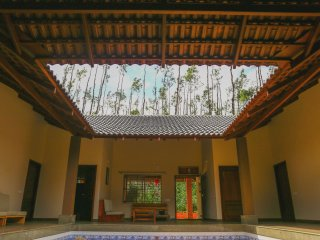 Bright 5 bedroom Bed and Breakfast in Chikamagalur with Television - Chikamagalur vacation rentals