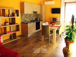 Nice 2 bedroom Alghero Apartment with Internet Access - Alghero vacation rentals