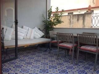 Bellissimo Appartamento in centro - Taormina vacation rentals
