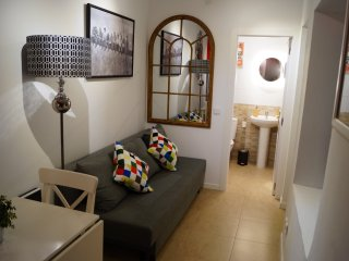 Cozy Condo with Internet Access and A/C - Madrid vacation rentals