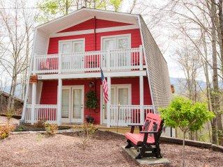 Newly Renovated 3 BR Cabin (Barnyard Shenanigans) - Gatlinburg vacation rentals
