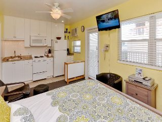 Sea Rocket #26 - Updated 2nd Floor North Side Condo with Gulf View! Sleeps 4! - North Redington Beach vacation rentals