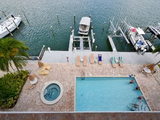 Island Key Condo 402  - Clearwater Beach Penthouse -Double Balcony, Pool, Spa - Clearwater Beach vacation rentals