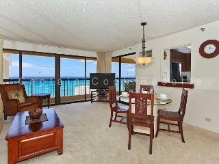 INCREDIBLE OCEAN VIEW!  A/C, WiFi, Pool, Parking, Sleeps 6! - Waikiki vacation rentals