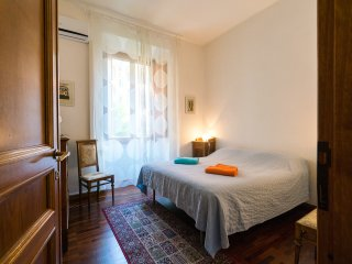 AWESOME COLOSSEUM APT 2/6 pax WIFI 135 sqm - Rome vacation rentals