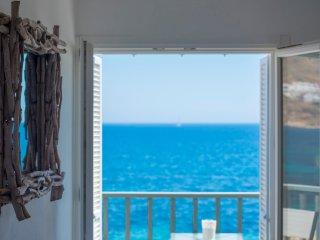 Perfect 2 bedroom Livadia Apartment with Internet Access - Livadia vacation rentals