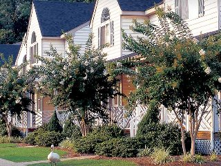 Historic Powhatan Resort: 2-BR Sleeps 6 Kitchen - Williamsburg vacation rentals