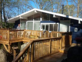 Bright Open Concept Viceroy Style Cottage - Muskoka Lakes vacation rentals