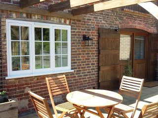 Oat cottage in converted granary barn - Chiddingly vacation rentals