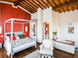 Canto degli Scali, Giglio Rosso Suite with View - Florence vacation rentals