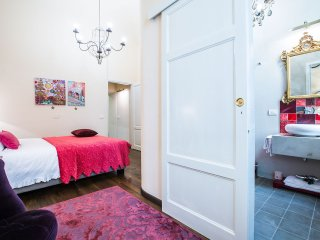 Canto degli Scali, Giglio Viola Two-Bedroom - Florence vacation rentals