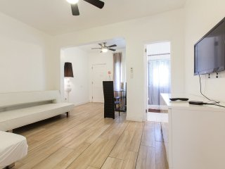 Cozy remodeled 1 bedroom in Heart of South Beach/3 - Miami Beach vacation rentals