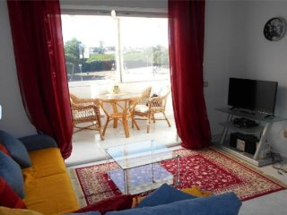 2 bedroom Apartment with Internet Access in Bellshill - Bellshill vacation rentals