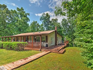 New Listing! Captivating 2BR Crossville Cabin w/Wifi, Private Porch, Gorgeous Forest Views & Easy Access to Golf Courses - Prime Location In Golf Capital of Tennessee! - Crossville vacation rentals
