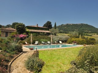 Luxury villa with private pool and garden - Torrita di Siena vacation rentals