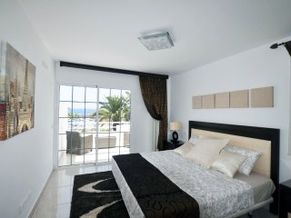 Nice townhouse on the 1st line - Playa de Fanabe vacation rentals
