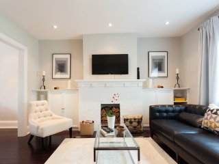 Executive Rental - Upscale Leaside - Toronto vacation rentals