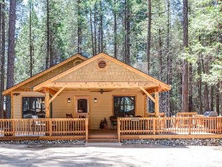 Gorgeous 3 bedroom House in Wawona with Television - Wawona vacation rentals