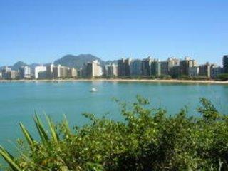 Praia do Morro - 3 quartos com suíte - 8 pessoas - Guarapari vacation rentals