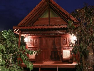 Beautiful Sleman vacation House with Television - Sleman vacation rentals