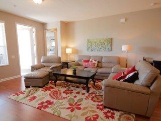 VISTA CAY LAKE VIEW JOY. LUXURY CONDO NEAR PARKS! - Orlando vacation rentals