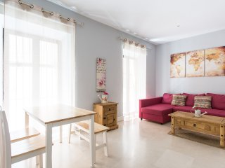APARTMENTSOLE-ARENAL LUXURY 1 - Seville vacation rentals