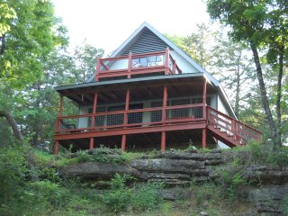 Hooked Lake Cabin - A Fisherman's Place - Eagle Rock vacation rentals