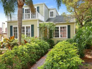 3BR/2BA Spacious Charleston Cottage 1932 sq. ft. - West Palm Beach vacation rentals