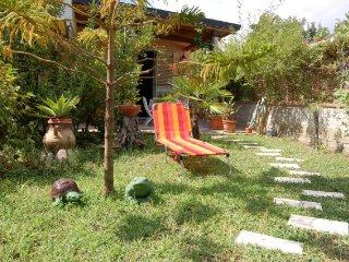 Villetta con giardino con vista sul mare - Patti vacation rentals
