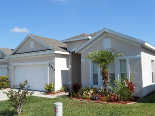 Spacious 4 Bedroom Villa Magic with Private Pool - Kissimmee vacation rentals