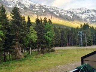 New Listing! 'North of Center' Marvelous 1BR Rocky Mountain Chalet Near Alberta's Pincher Creek w/Wifi, Gas Fireplace & Gorgeous Mountain Views - Unbeatable Ski-In/Ski-Out Location! Easy Access to Lakes, Hiking & Snowshoeing! - Pincher Creek vacation rentals