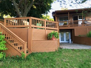 Lake Simcoe direct waterfront getaway - Keswick vacation rentals