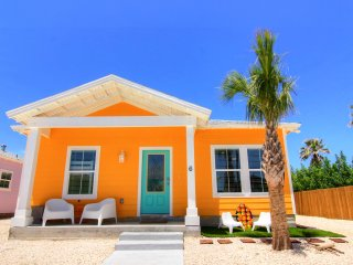 Cozy 3 bedroom Port Aransas Cottage with Internet Access - Port Aransas vacation rentals