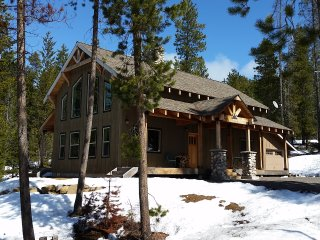 Gorgeous Chalet with Dishwasher and Hot Tub - Crescent vacation rentals