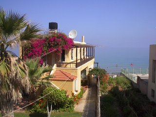 Kokkini Hani Beautiful apartment by the sea. - Heraklion vacation rentals