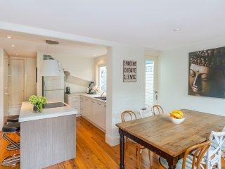 Bright sunny house, located in suburban food hub - Birchgrove vacation rentals