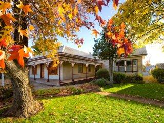 Linga Longa :Sleep up to 14 : Country House - Hepburn Springs vacation rentals