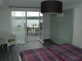 Ferienwohnung Höcker 38 qm mit Panorama-Seeblick - Mohnesee vacation rentals